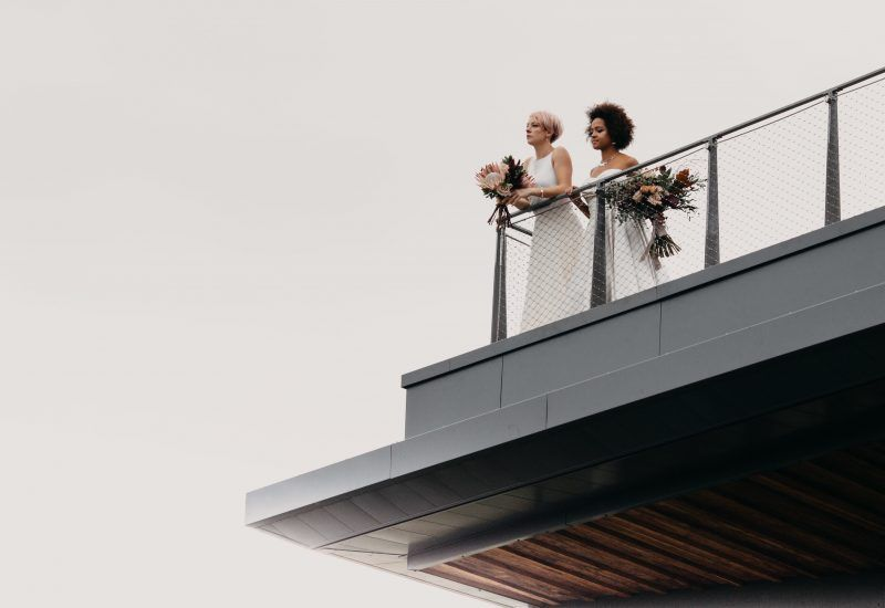 two brides on the roof on the sill